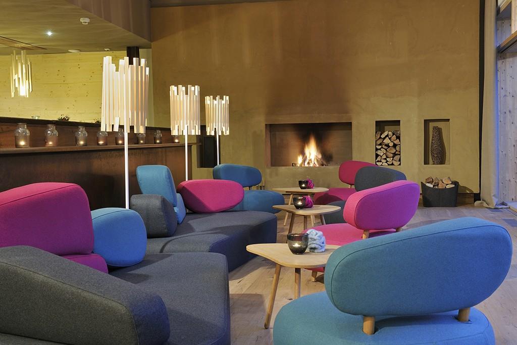 Bar im Holzhotel Forsthofalm
